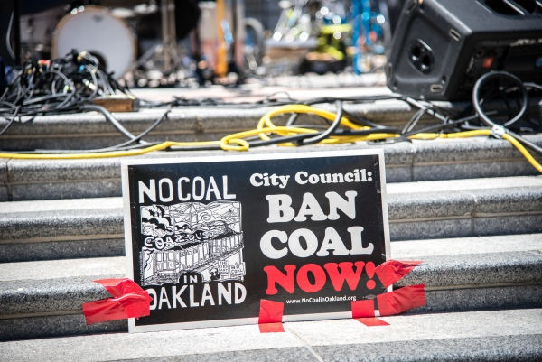 No Coal in Oakland illustrates how to use red tape to change the world Photo: Brooke Anderson