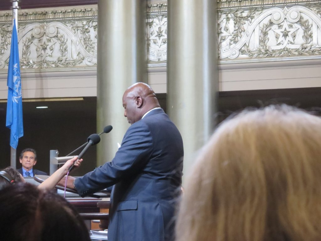 Terminal Logistics Solution president Jerry Bridges addresses the Oakland City Council, 2016-06-27. Photo credit: Steve Masover.